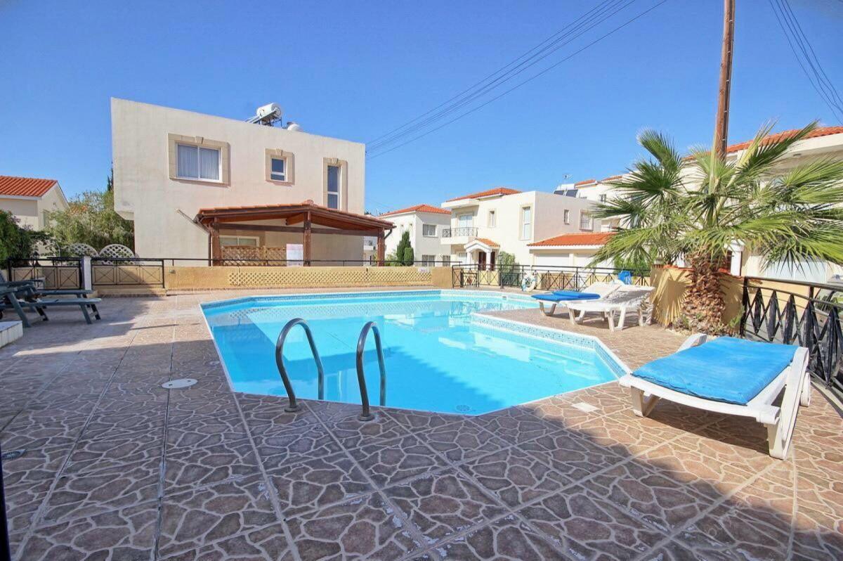 Недвижимость на Продажу: Дом (Двухквартирный), Эксо Вриси, Пафос | Key Realtor Кипр